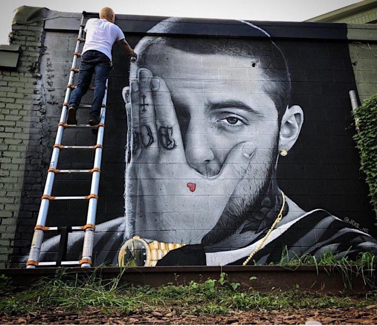 Mac Miller Tribute Tattoo: Streetartist NC JEKS Malt Ein Mac-Miller-Tribute-Mural